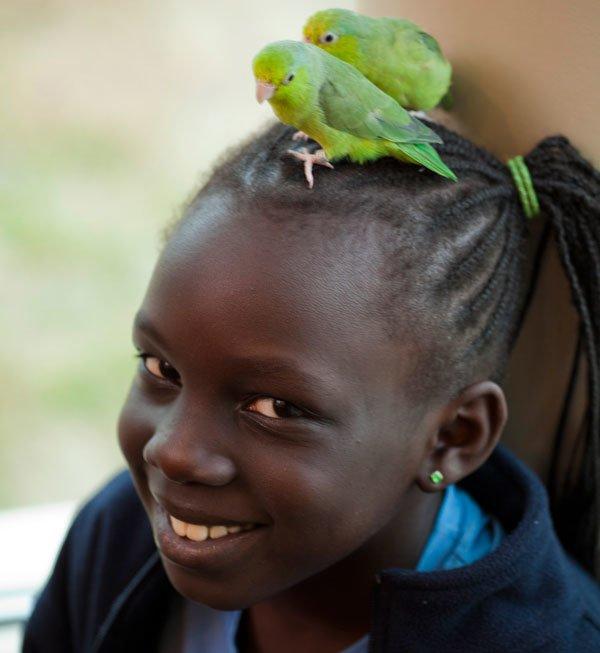 birds-on-girls-head