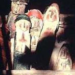 Shaman's hut carved dolls